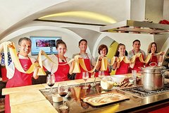 Rome: Italian Pasta Cooking Experience