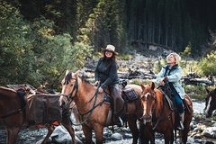 2-Day Sundance Overnight Backcountry Lodge Trip by Horseback
