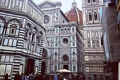 Florence private educational and guided custom tours by walk and by car
