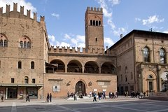 Bologna Half Day Private Walking Tour and Tastings
