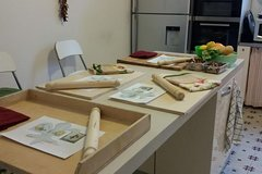 "Historical ""botteghe "" food tour and cooking class in Florence!"