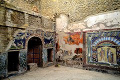 Private Day Tour Pompeii and Herculaneum with Lunch from Rome