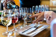 4-5 Hours Through the Grapevine Semi Private Wine Tour