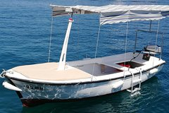 Explore west side of island Brač with Traditional Dalmatian boat