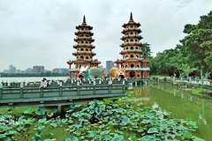 Zouying Lotus Lake and Buddha Museum One Day Tour