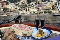 Tarantella tuor tarallucci and wine on Amalfi Coast