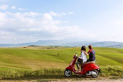 Romantic Vespa Tour and Wine Tasting