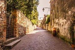 From Venice tour to Arquà Petrarca medieval village