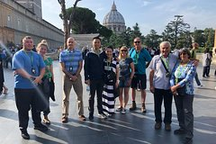 Private Guided Tour to Sistine Chapel and St.Peters Dome with Skip-the-Line