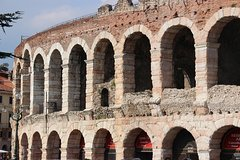 Verona Small Group City Tour with a Local Guide