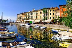 Lake Garda Riviera with wine tasting