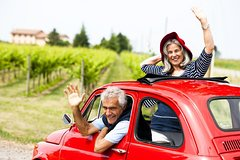 Glamorous Private Fiat 500 Vintage Tour in Tuscany from Florence