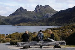 Cruise Ship Special from Burnie to Cradle Mountain, with free WiFi