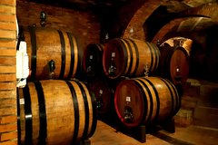 Regular Wine Tour in Chianti and visit of San Gimignano - small group shari