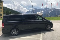 Private transfer with MCD V from Piazzale Roma (Ve) to Treviso Airport