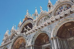 Architectural Walk of Venice with a Local