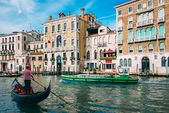 Discover Venice in 60 Minutes with a Local