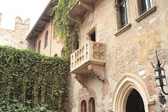 Romeo & Juliet in Verona: 1 Day Self-Guided Tour from Milan