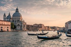 Venice Guided Tour with Gondola Ride from Milan by Train