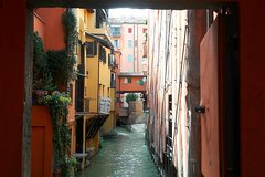 Secret Bologna with and like a local