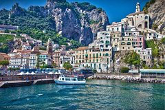 Positano & Amalfi Tour by Boat & Light Lunch from Sorrento