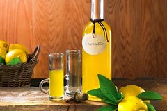 Limoncello, Oil & Inlaid Tour in Sorrento