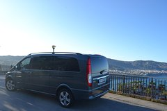 Private transfer with Mercedes-Benz Minivan from Sorrento to Salerno