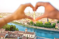 Private Romeo and Juliet Walking Tour of Verona