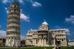 Pisa, Siena, San Gimignano Tour : Lunch and Wine in Chianti Included