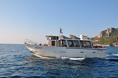 CAPRI ISLAND TOUR by sightseeing boat