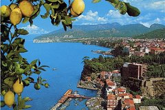 Food tour in Sorrento: olive oil, limoncello, mozzarella, pizza and gelato