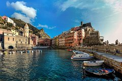 Full-Day Private Tour to Cinque Terre from Firenze with lunch