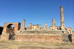 Pompeii-Vesuvius-Wine Tasting tour with licensed guide included