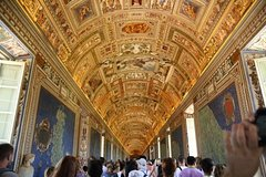 Early Morning Vatican Museums, Sistine Chapel, St.Peters Basilica Small Gro