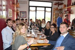 Wines & Bruschettas Tasting in Chianti (Visit/Tour at the Winery includ