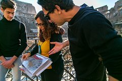 Skip-the-line Colosseum Tour With Kids including Roman Forum With a Family