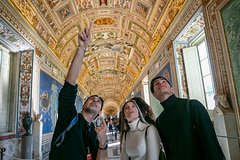 Skip the Line Private Tour Vatican, Sistine Chapel and the St.Peters Dome