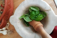 4-Hours Pesto experience in Genoa - farm to table private tour