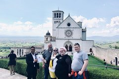 Tuscany and Umbria Religious Tour from Rome with Wine Tasting