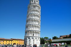 Private Full-Day Tour of Pisa and Lucca from Florence