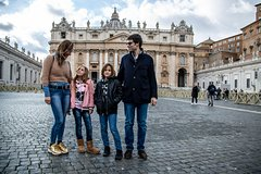 Vatican Treasure Hunt with Guided Tour for Families with Kids