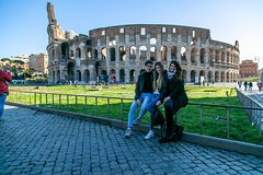 Guided Tour of the Colosseum Forums & Ancient Rome with Skip-the-line T