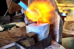 Create your original cuttlefish bone cast jewelry.