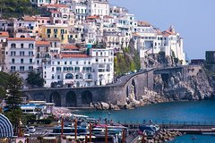 Private transfer from Amalfi to Naples