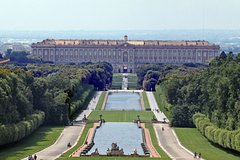 Private Chauffeured Tour to Caserta Royal Palace from Rome and Designer Out