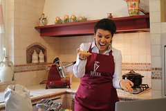 Live online cooking class: Make pasta from scratch and listen to Opera