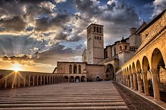 Assisi and Perugia with Lunch&WineTasting Fullday from Rome
