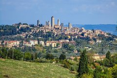 Transfer with stops: Florence-Siena with stops in San Gimignano & Monte