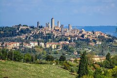 Transfer with stops: Siena-Florence with stops in San Gimignano & Monte
