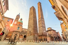 Transfer with stops: Florence - Venice with stops in Bologna and Ferrara